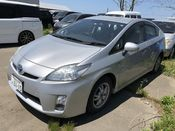 front photo of car ZVW30 - 2009 Toyota PRIUS  - SILVER